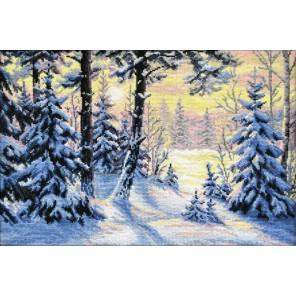 Пример оформления в рамке Зимний лес Набор для вышивания Овен 698