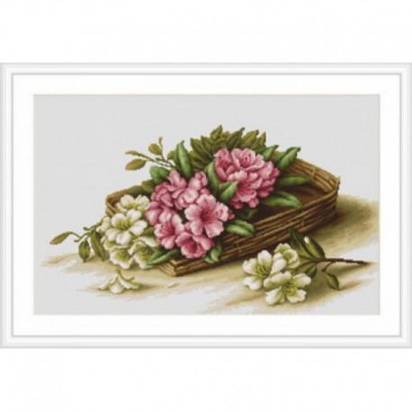 Цветы азалии в корзине Набор для вышивания Luca-S