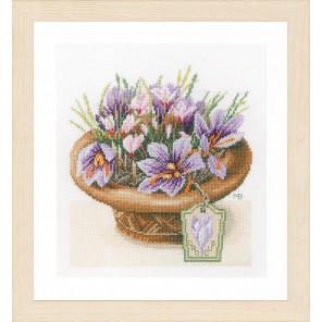 Crocus Flowers Набор для вышивания Lanarte PN-0168601