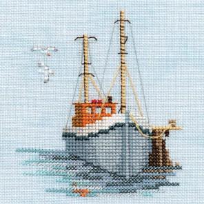 Fishing Boat Набор для вышивания Derwentwater Designs MIN02A