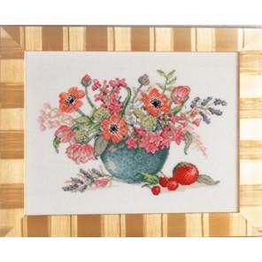 Анемоны и тюльпаны в синей вазе Набор для вышивания Eva Rosenstand 14-460