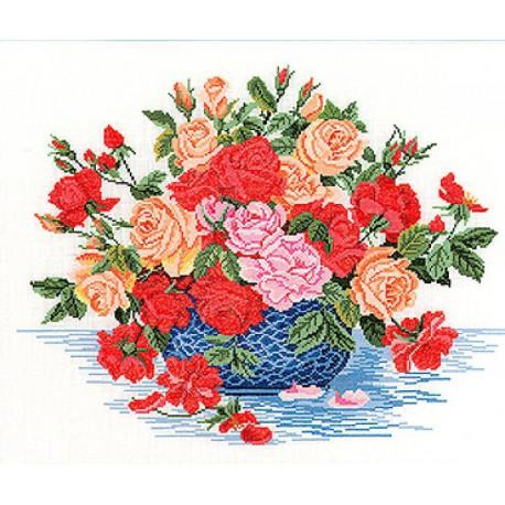 Букет роз в синей вазе Набор для вышивания Eva Rosenstand 14-260