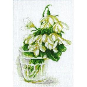Подснежники по картине Катарины Кляйн Набор для вышивания Марья Искусница