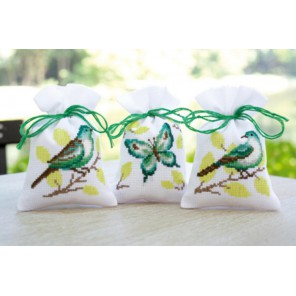 Птицы и бабочка Набор для вышивания мешочков (саше) VERVACO
