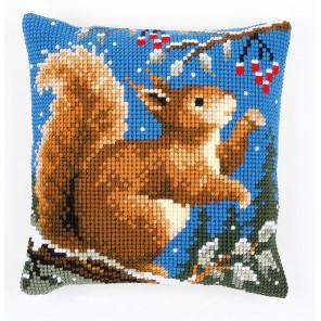 Белочка зимой Набор для вышивания подушки VERVACO