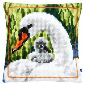 Лебедь с птенцом Набор для вышивания подушки VERVACO