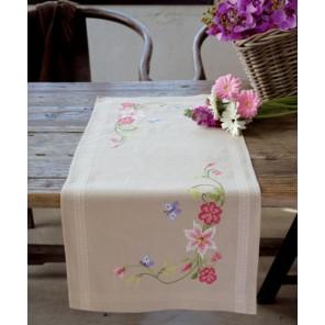 Розовые цветы и бабочки Набор для вышивания дорожки VERVACO