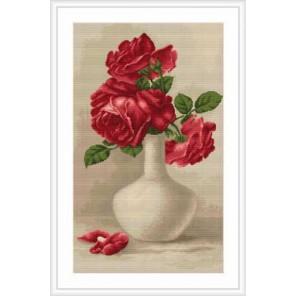 Красные розы в белой вазе Набор для вышивания LUCA-S