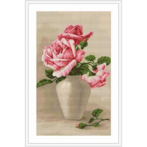 Розовые розы в белой вазе Набор для вышивания LUCA-S