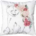 Медведь с гирляндой цветов Набор для вышивания подушки LUCA-S