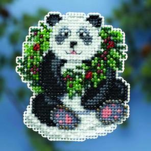 Рождественская панда Набор для вышивания MILL HILL