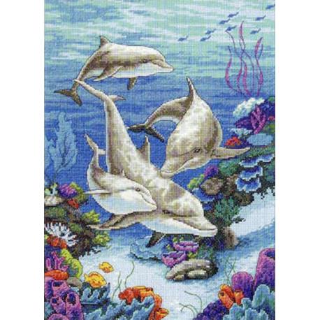 Семья дельфинов 03830 Набор для вышивания Dimensions ( Дименшенс )