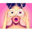 Девушка с пончиком Раскраска картина по номерам на холсте