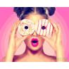 Девушка с пончиком Раскраска картина по номерам на холсте GX26710
